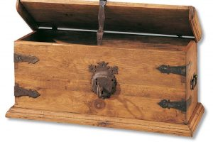 arcón rústico de madera
